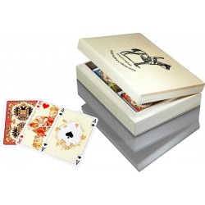 Piękny, drewniany komplet Karty do gry w szkatułce z logo Piatnik